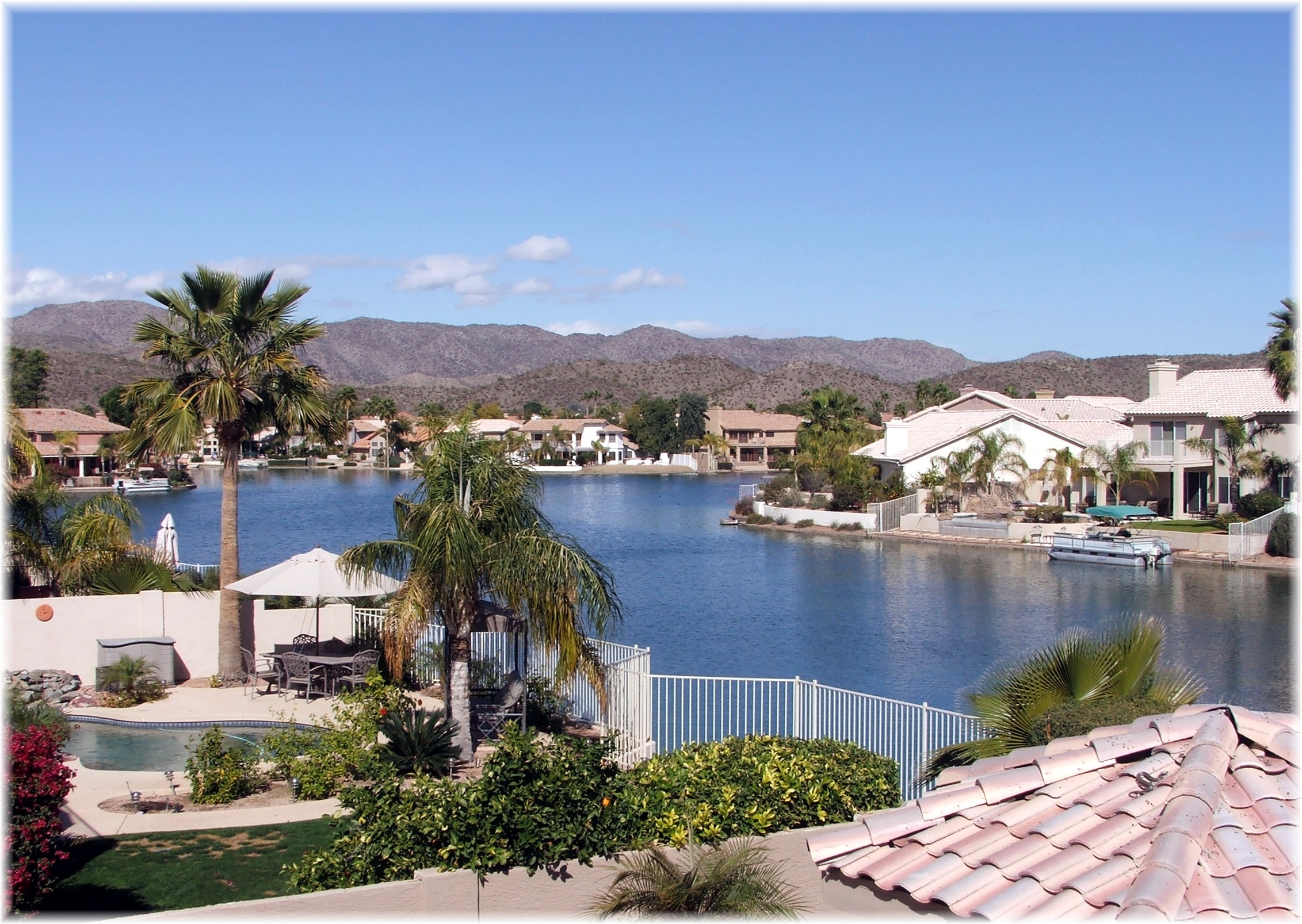 Phoenix arizona waterfront homes ahwatukee foothills for Lake front properties