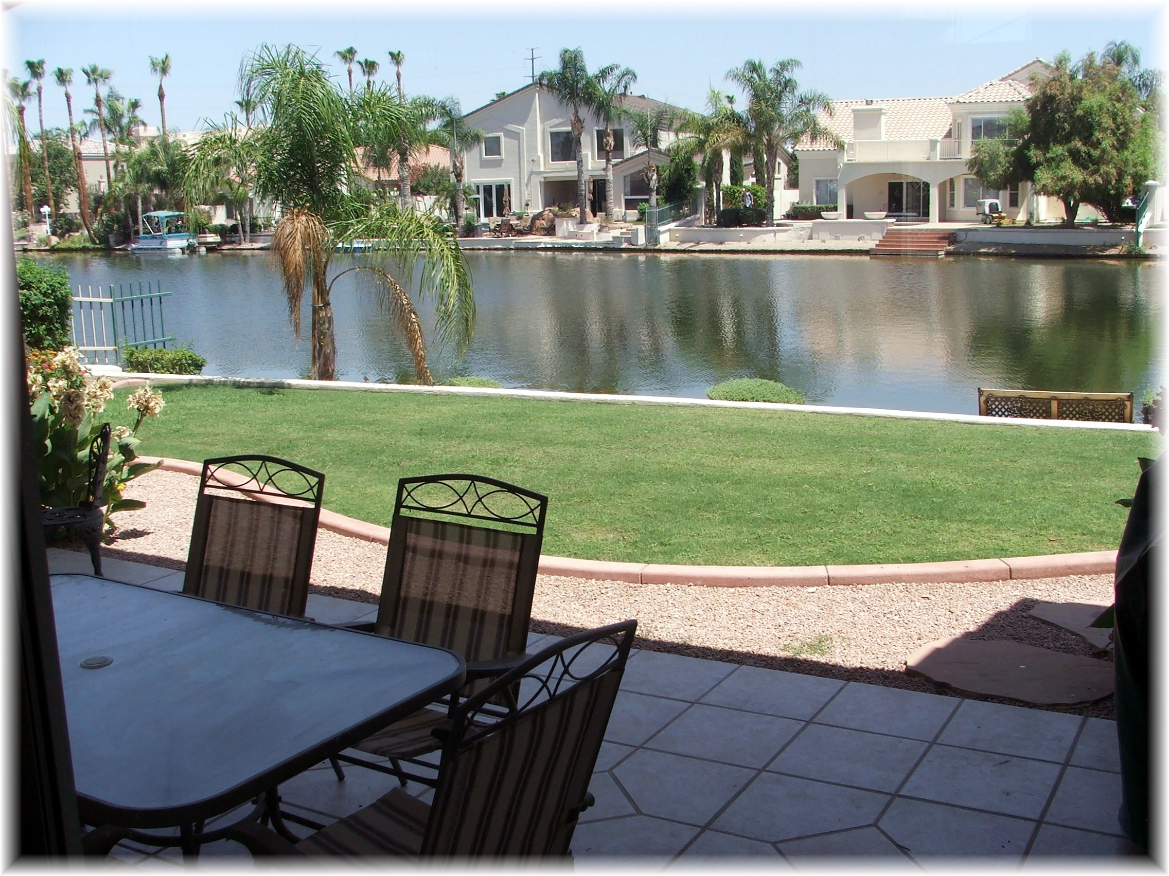 backyard waterfront lake picture phoenix arizona waterfront homes. Black Bedroom Furniture Sets. Home Design Ideas