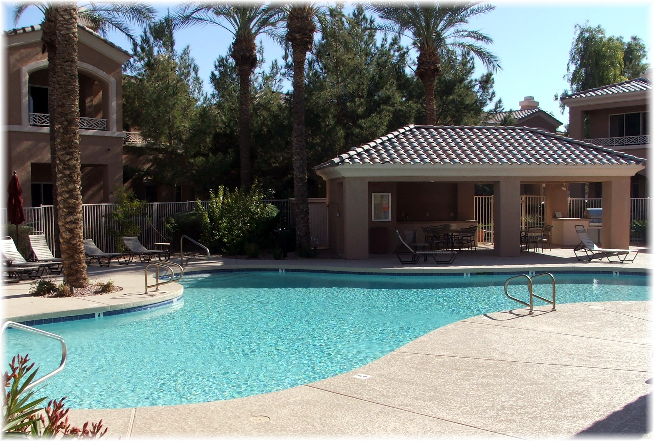 Phoenix arizona waterfront homes cantabria community pool for Cantabria homes