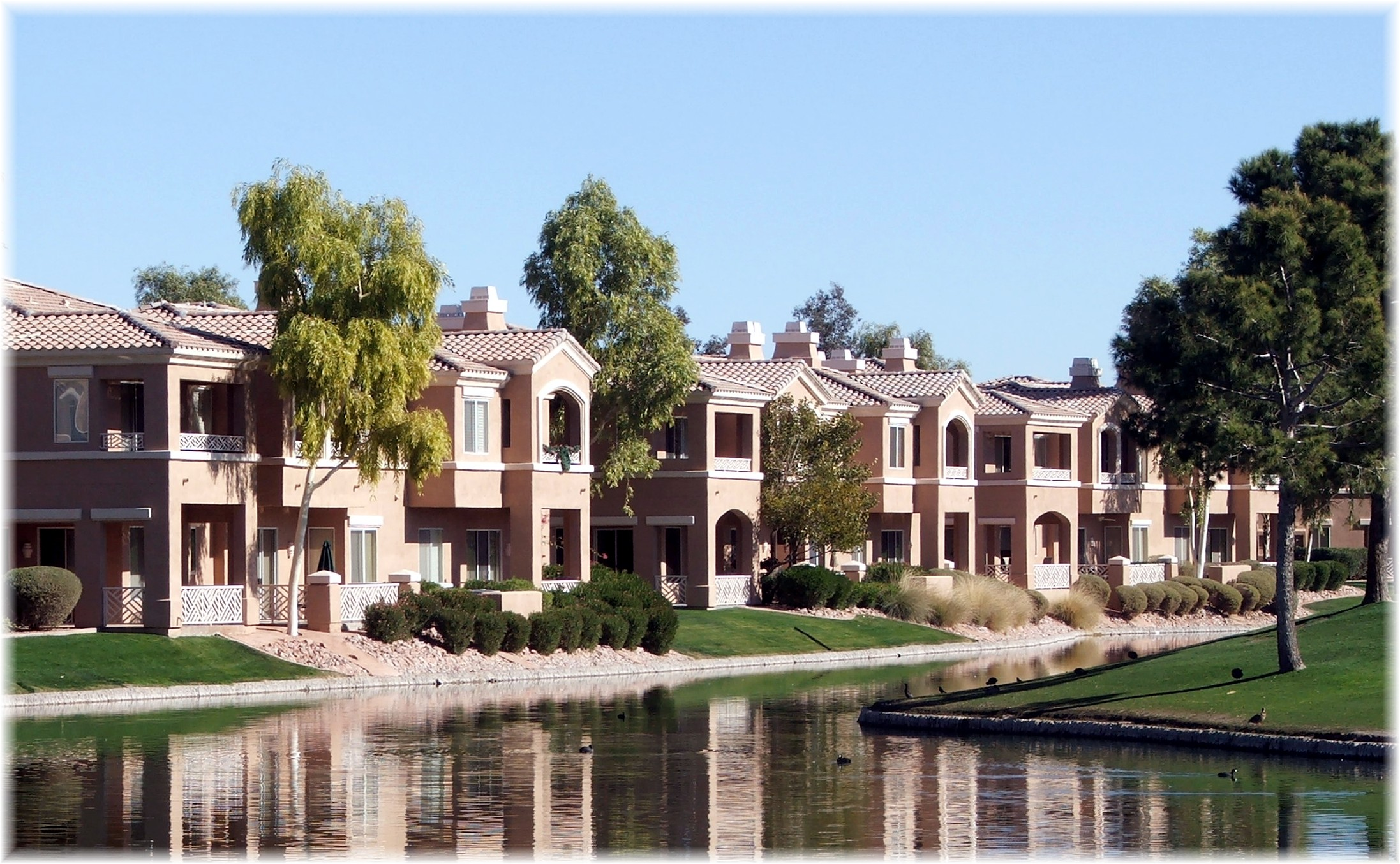 Phoenix arizona waterfront homes cantabria townhouses at for Cantabria homes