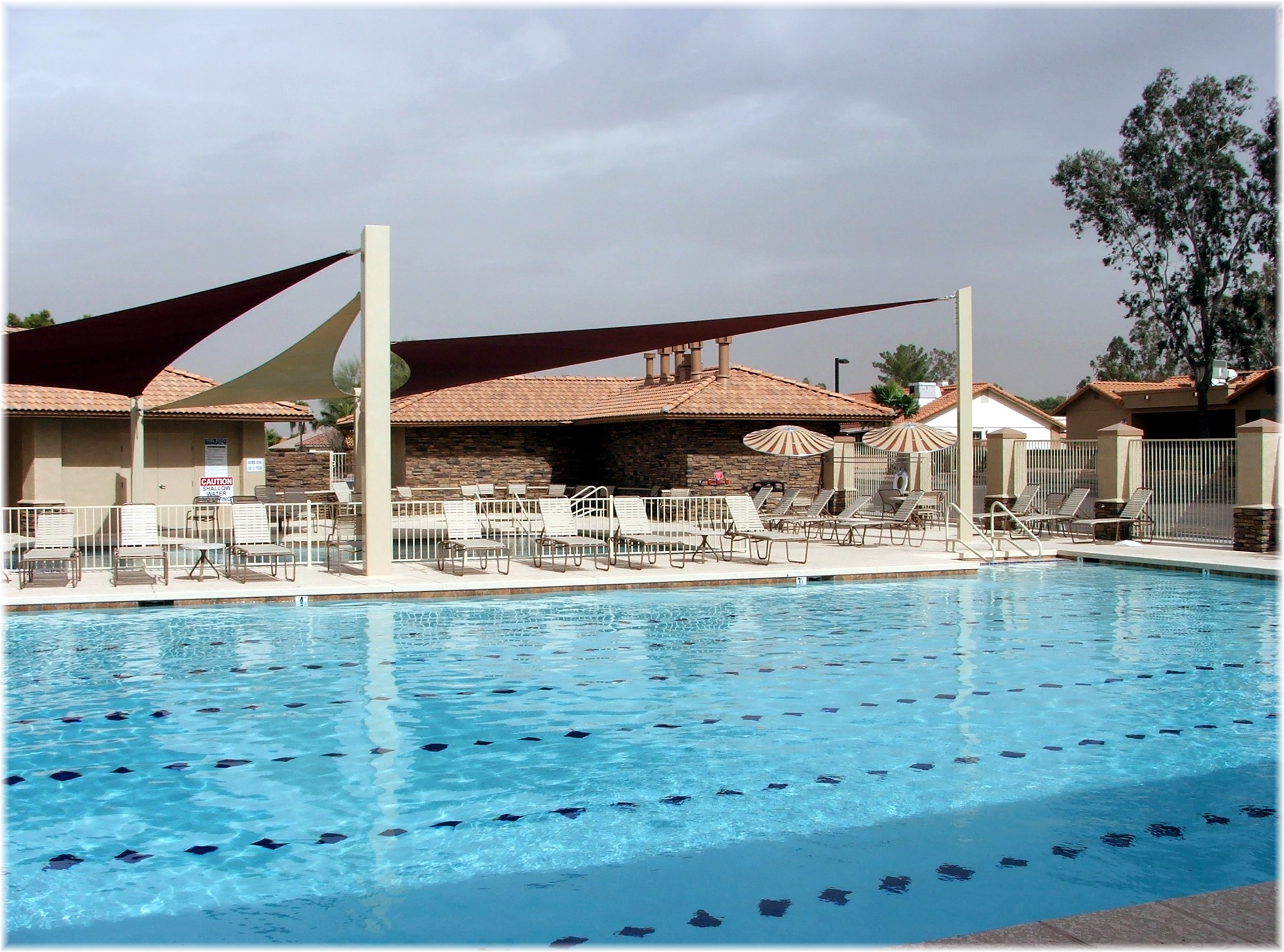 Mesa active adult lake community at leisure world for Pool fill in mesa az