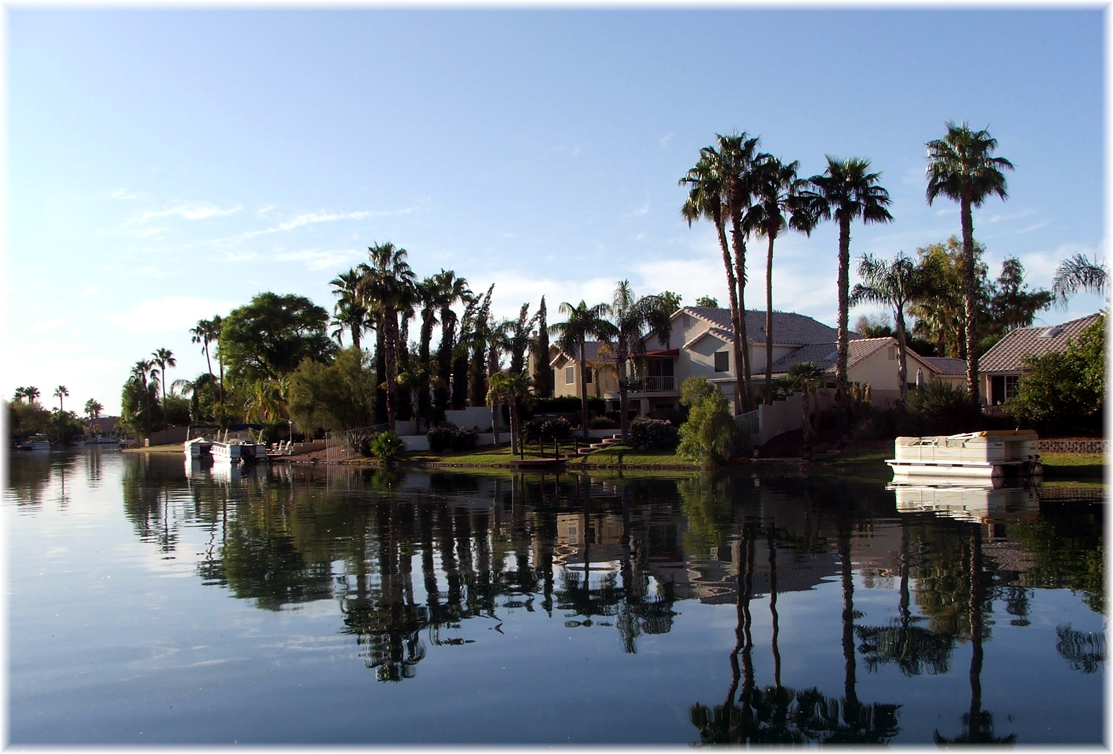Waterfront homes at the islands lake community in gilbert for Fishing in phoenix arizona