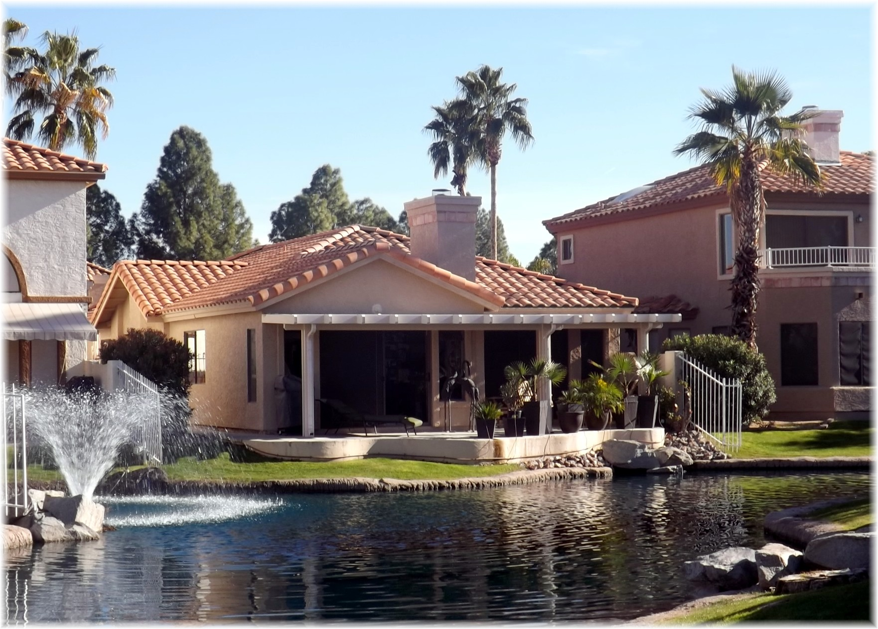 the falls in the islands gilbert waterfront homes